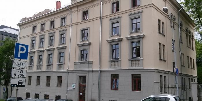 VšĮ Centro poliklinikos Naujamiesčio PASP centro pastato 1d4/p k. Kalinausko g. 4 Vilnius, apšiltintos pastogės patalpų pritaikymas administracijos reikmėms ir pastato fasado remontas