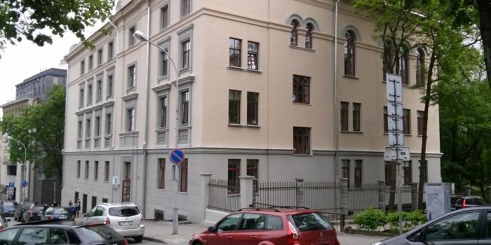 Centro poliklinika fasado atnaujinimo darbai